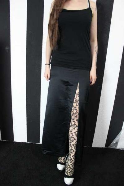 36756ece1b44 Sisley Rock wetlook bodenlang schwarz mit Schlitz Etuikleid Kostüm