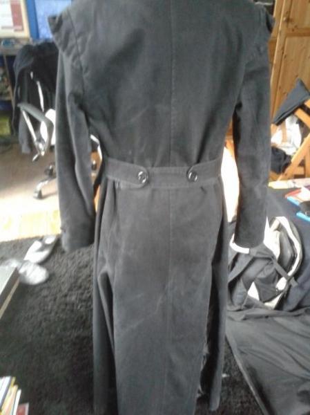 Poizen industries bodenlanger schwarzer mantel for Schwarzer langer mantel