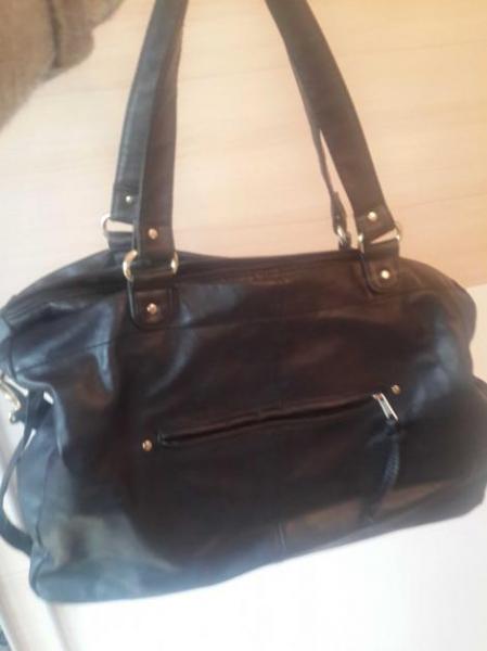 schwarze handtasche h m gold shopper bag. Black Bedroom Furniture Sets. Home Design Ideas