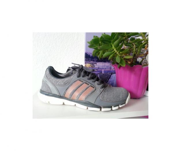 Neuwertige Adidas Schuhe Damen Gr. 38 Adipure Trainer 360