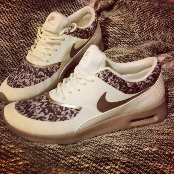 nike air max thea beige print trainers extreme. Black Bedroom Furniture Sets. Home Design Ideas
