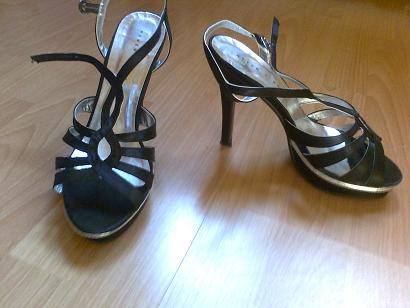 High Heels mit Plateau von Never 2 Hot ( Humanic )