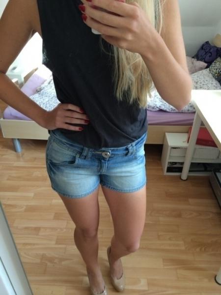 71d54fc30e3a19 ... Moderne Jeansshorts / Shorts / Hotpants / Jeans / Jeanshotpants / kurze  Jeans / kurze Hose .