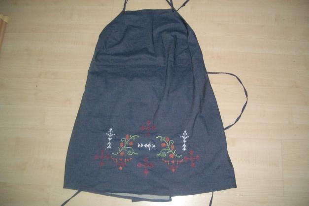 jeans oberteil mama mit stickerei gr l umstandsmode h m. Black Bedroom Furniture Sets. Home Design Ideas
