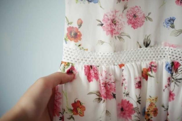 Zara Kleid Kleidchen Sommerkleid Weiß gehäkelt Blumen Blumenprint ...