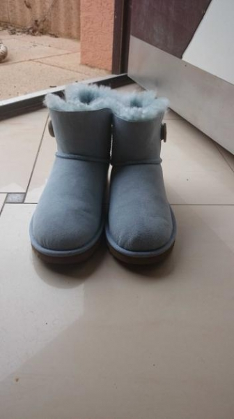 Ugg Australia Ugg Mini Bailey Button Conleys