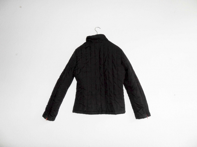 Dünne Daunenjacke Gr. 38 schwarz New Yorker mit roten Kontrastzippern Hipster