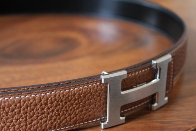 diversifiziert in der Verpackung stylistisches Aussehen am besten billig Hermes Gürtel *wie NEU* original, 32mm, Gr. 100, 115cm, Togo Leder Schwarz  Braun, Paladium Silber Schnalle gebürstet