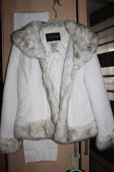 One Love - Warme weiße winterjacke mit fell    Kleiderkorb.de d4369b508f