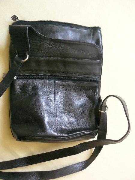 2b6a1f7b33336 ... Ein Tausendsassa die SASA-Tasche  schwarz - vielseitig - neuwertig -  Lieblingsstück ...