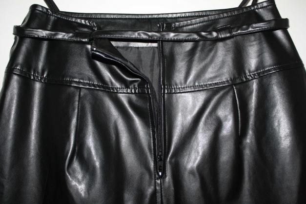 schwarzer Kunstlederrock, Lederimitat, knielang, Gothic Punk, Gürtel +  Reißverschluss, ... ab1d74849e