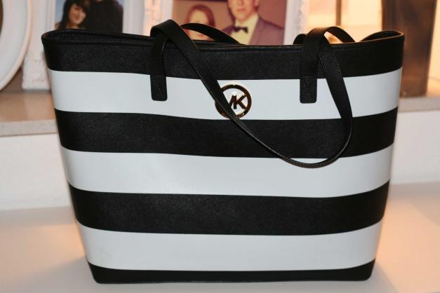 Michael Kors Streifen Tasche | Michael kors tasche, Taschen