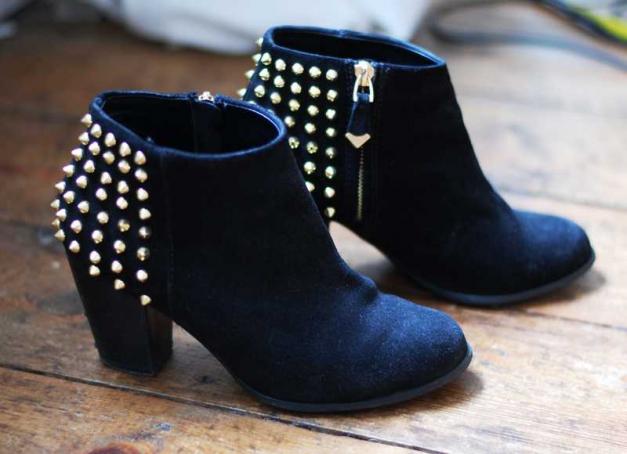 ... Zara Ankle Boots Suede Schwarz Gold Nieten Stiefeletten Gr. 37 . 022660cebb
