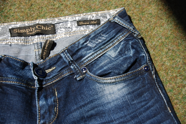 blaue skinny jeans r hrenjeans usedlook used mit l chern. Black Bedroom Furniture Sets. Home Design Ideas