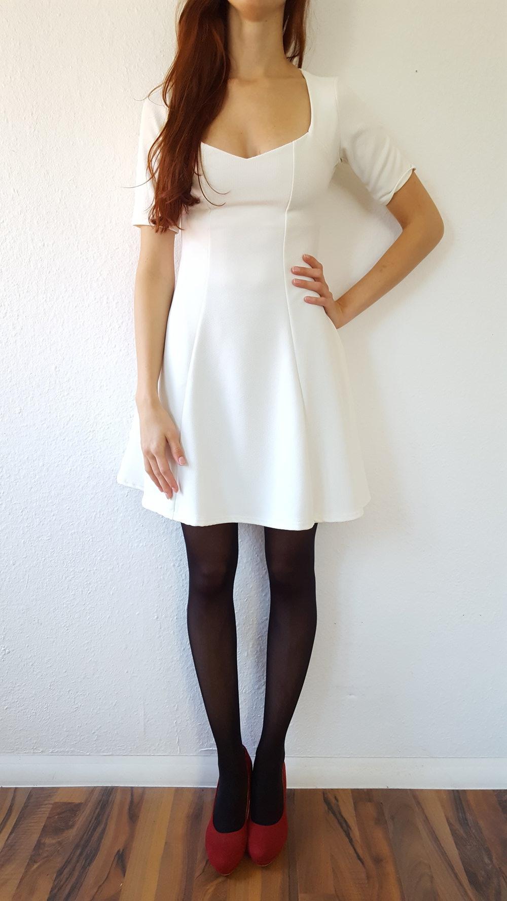 Cremefarbenes Kleid von Asos