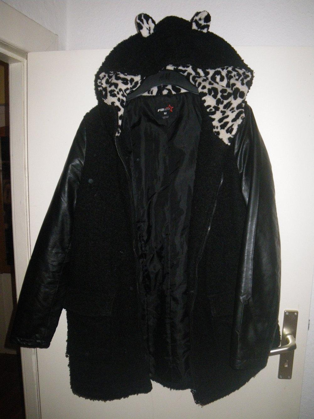 fb sister mantel mit ohrenkapuze. Black Bedroom Furniture Sets. Home Design Ideas