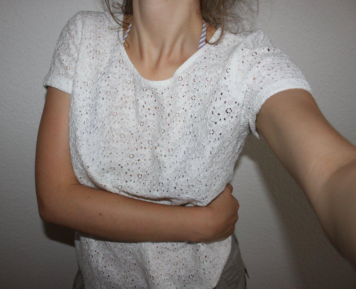 383ec44acc089e VILA - Hochwertiges weißes Spitzenshirt aus Baumwolle    Kleiderkorb.de