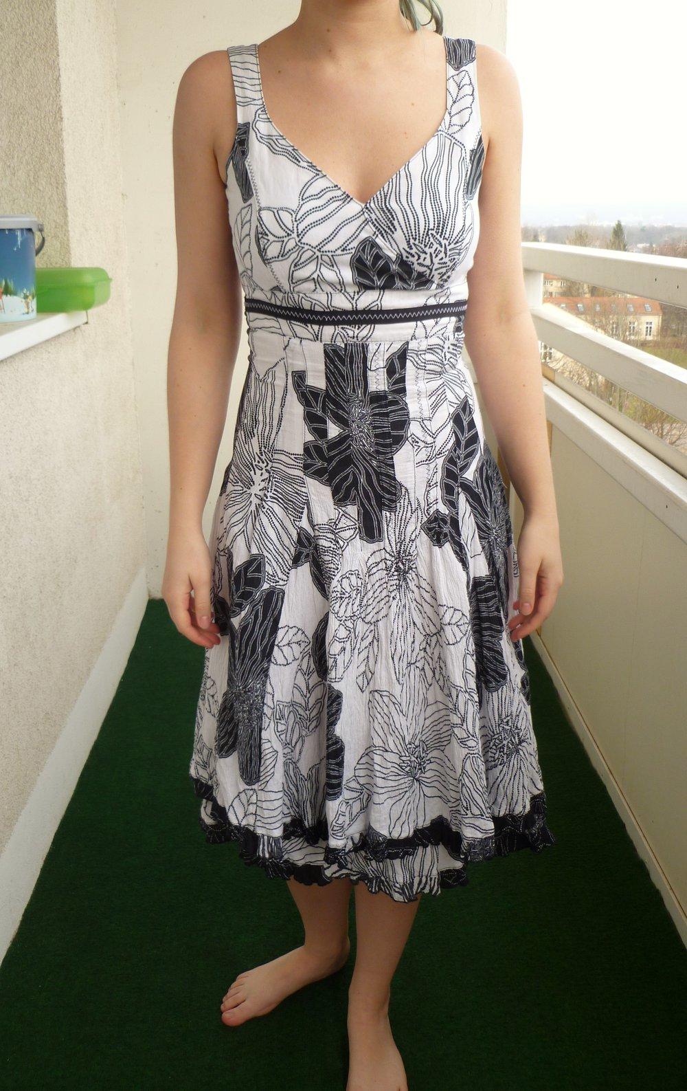 Nienhaus woman - schwarz-weißes Kleid mit Blumenmuster ...