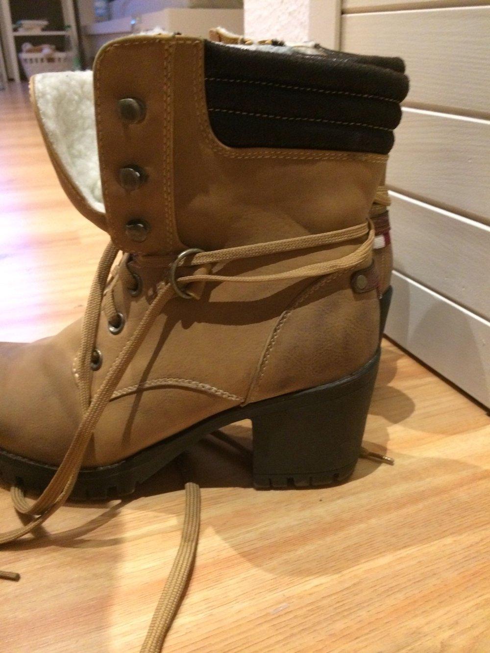 khakifarbene boots mit absatz und innenfell gr 40. Black Bedroom Furniture Sets. Home Design Ideas