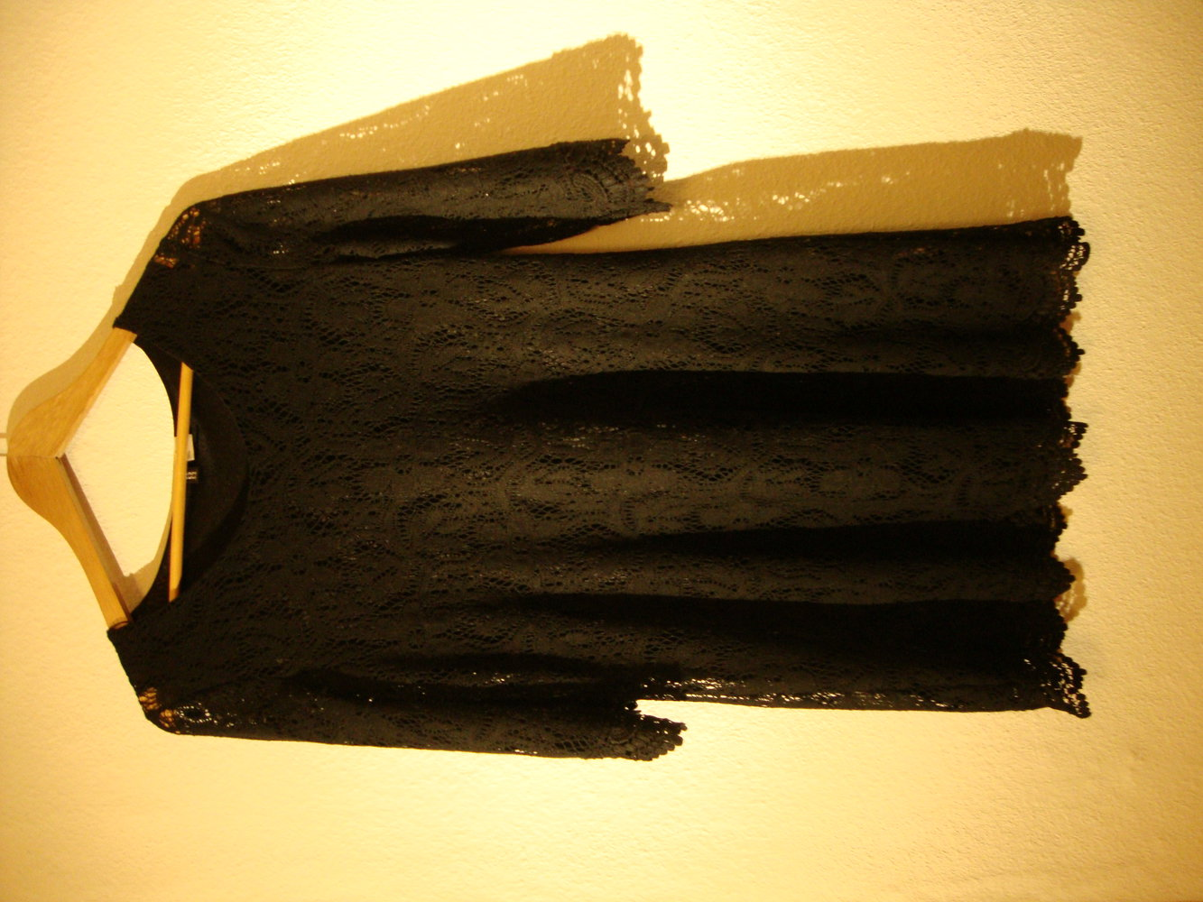 stilvolle langes kleid mit spitze vedemii. Black Bedroom Furniture Sets. Home Design Ideas