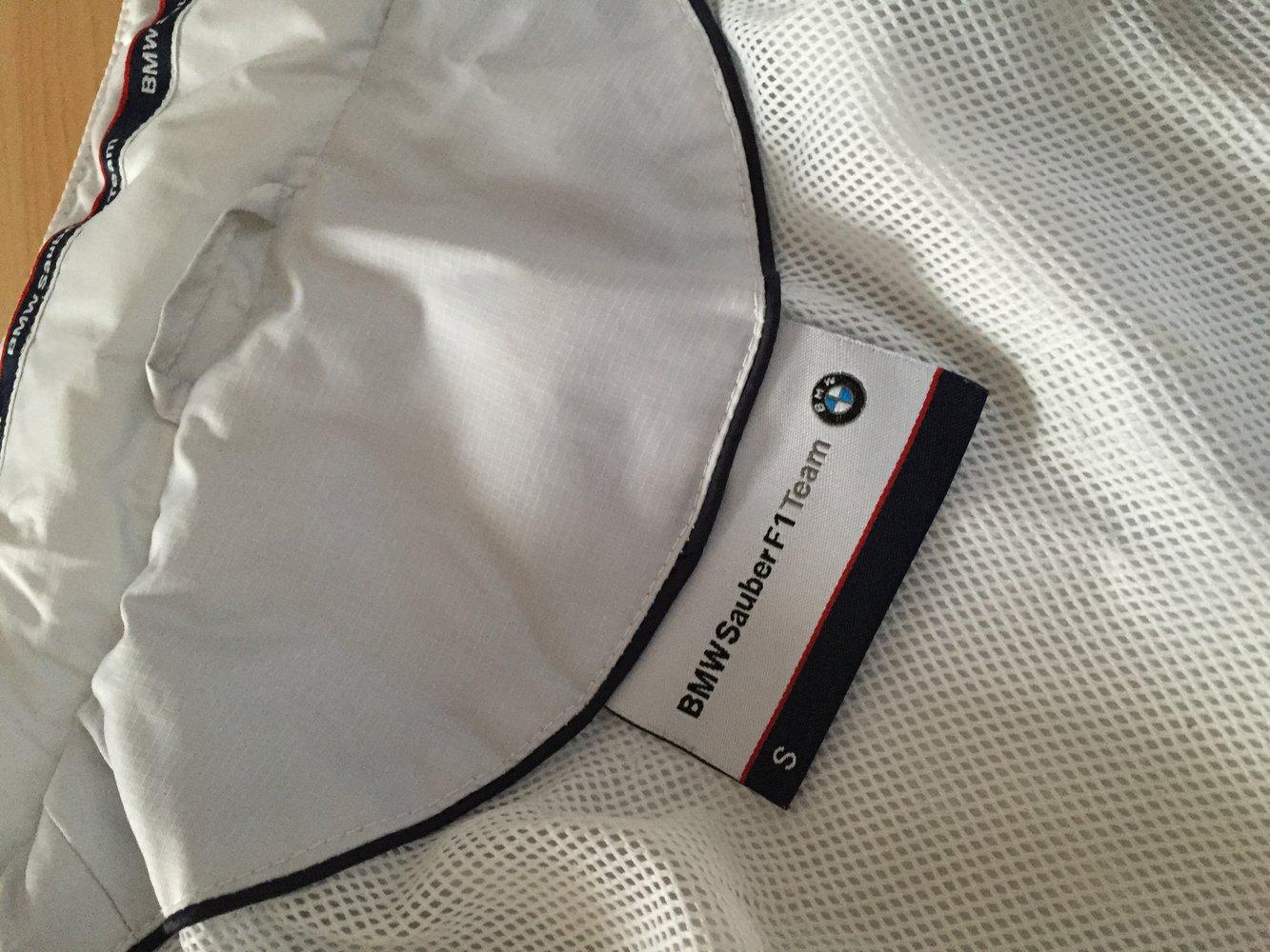bmw leichte jacke wei bmw motorsport mit vielen taschen. Black Bedroom Furniture Sets. Home Design Ideas