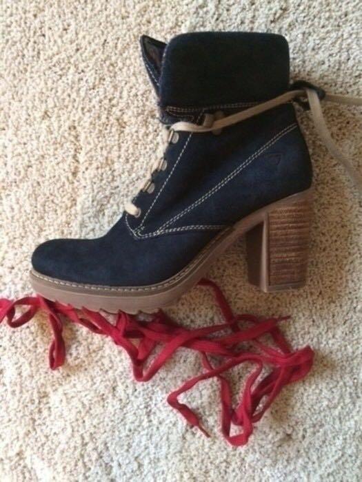 f4f1d2ac29dd20 Wildleder Boots   Stiefeletten Tamaris blau    Kleiderkorb.de