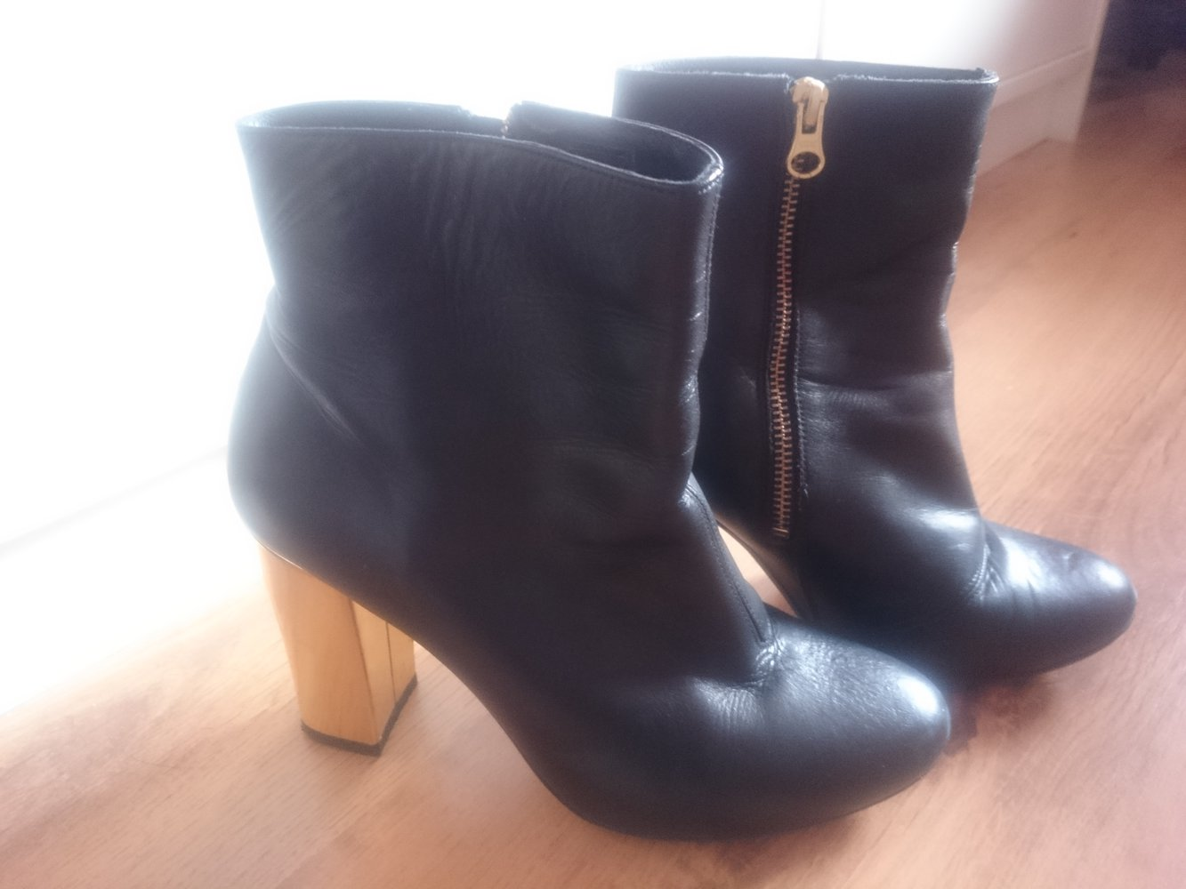 zign shoes zalando boots ankle boots stiefeletten in schwarz mit gold absatz. Black Bedroom Furniture Sets. Home Design Ideas