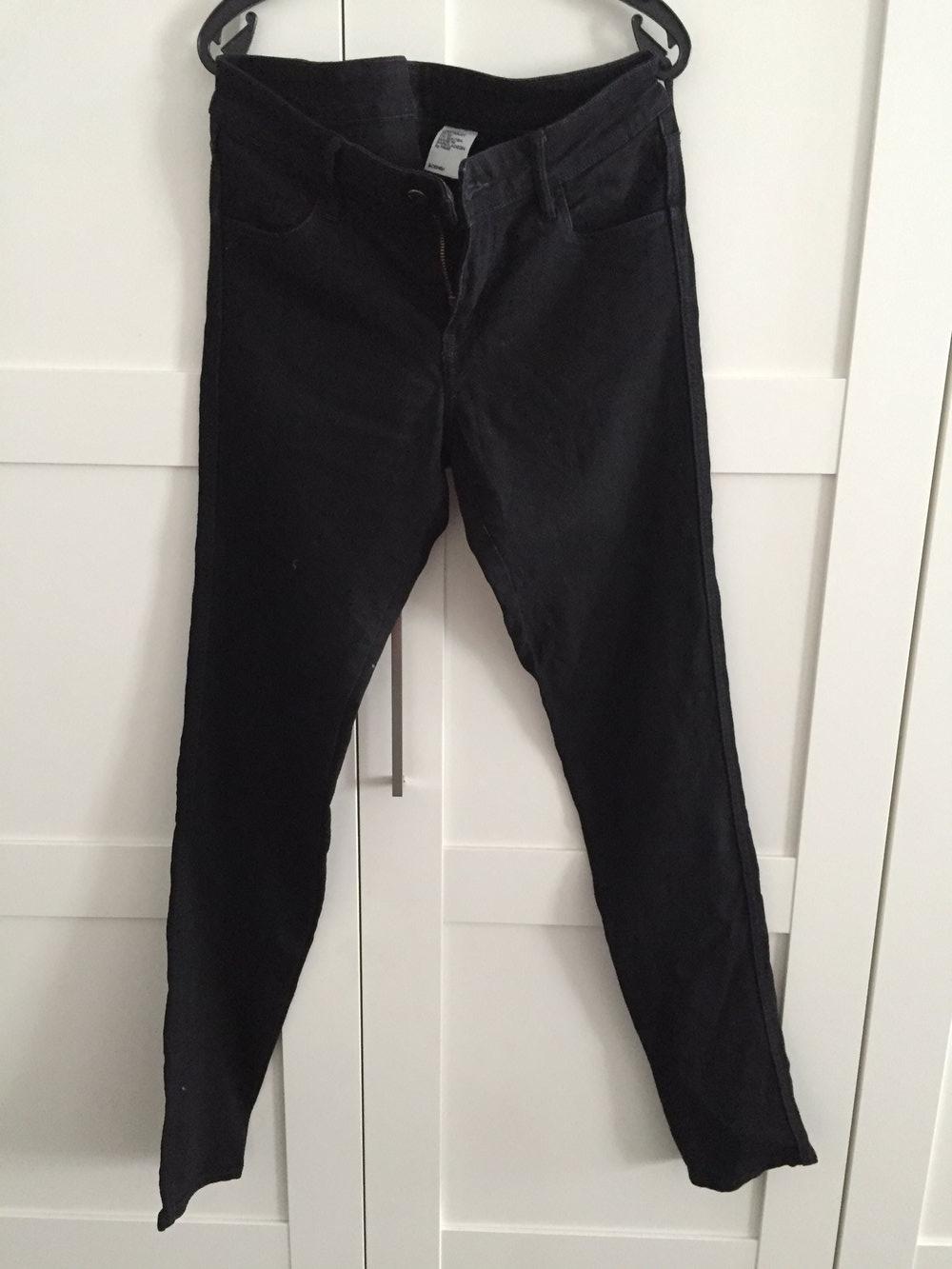 Weiße Skinny Low Waist Jeans von H&M Gr. 3132