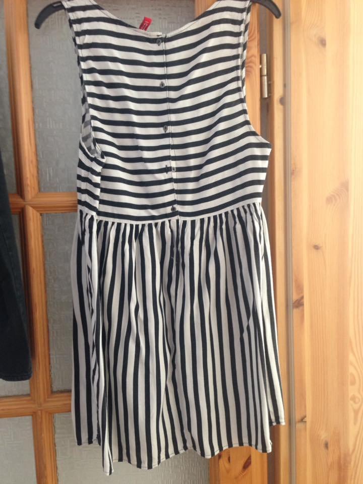 d41489addd26 gestreiftes Kleid schwarz weiß gestreiftes Kleid schwarz weiß .