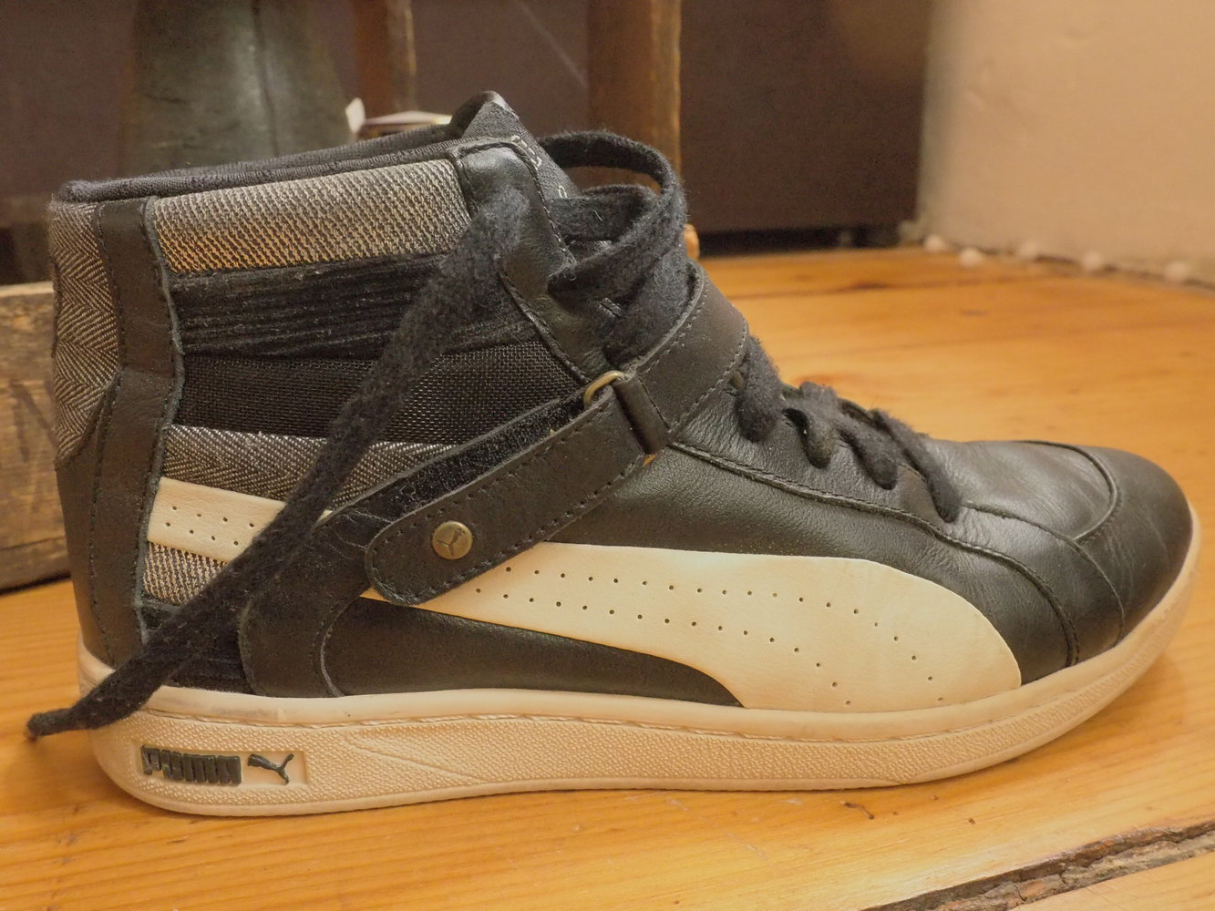 puma sneaker schwarz wei silber gr e 40. Black Bedroom Furniture Sets. Home Design Ideas
