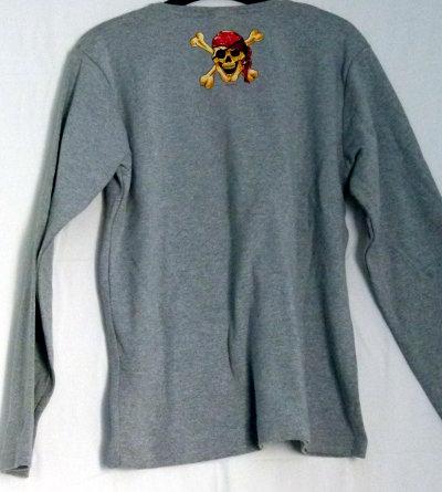 1db1b7fe561fff Sweater Pulli mit Totenkopf Piratenschädel Druck