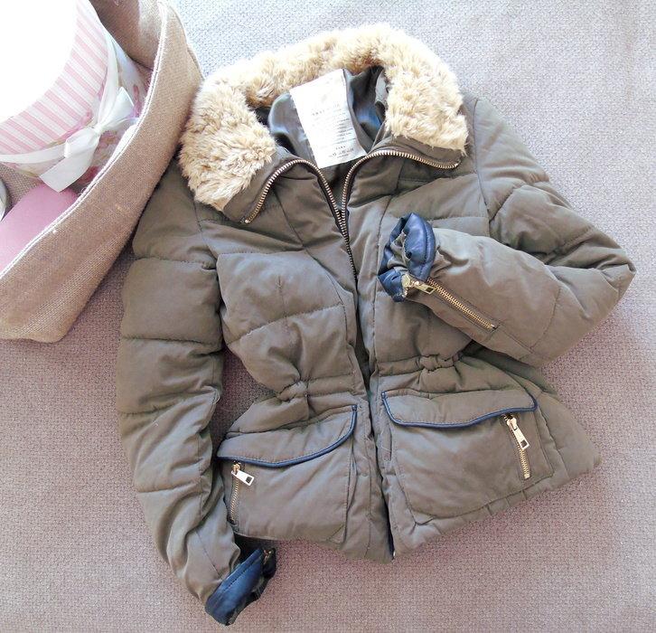 reputable site f6389 fc396 Zara Daunenjacke khaki Winterjacke Teddyfell