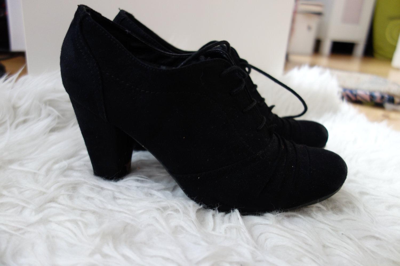 graceland schwarze schlichte ankle boots. Black Bedroom Furniture Sets. Home Design Ideas