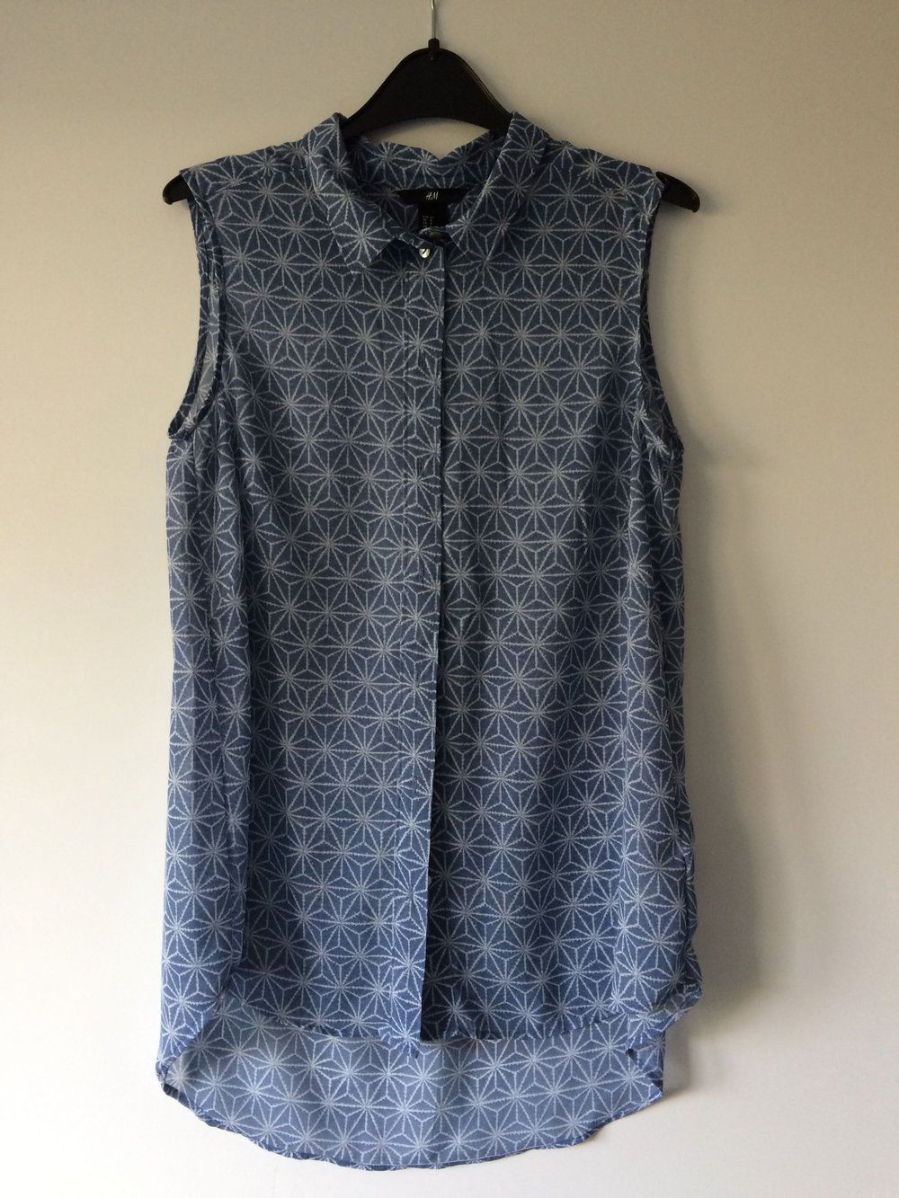 58b28fb330acc2 Ärmellose H&M Bluse, Größe 38 :: Kleiderkorb.de