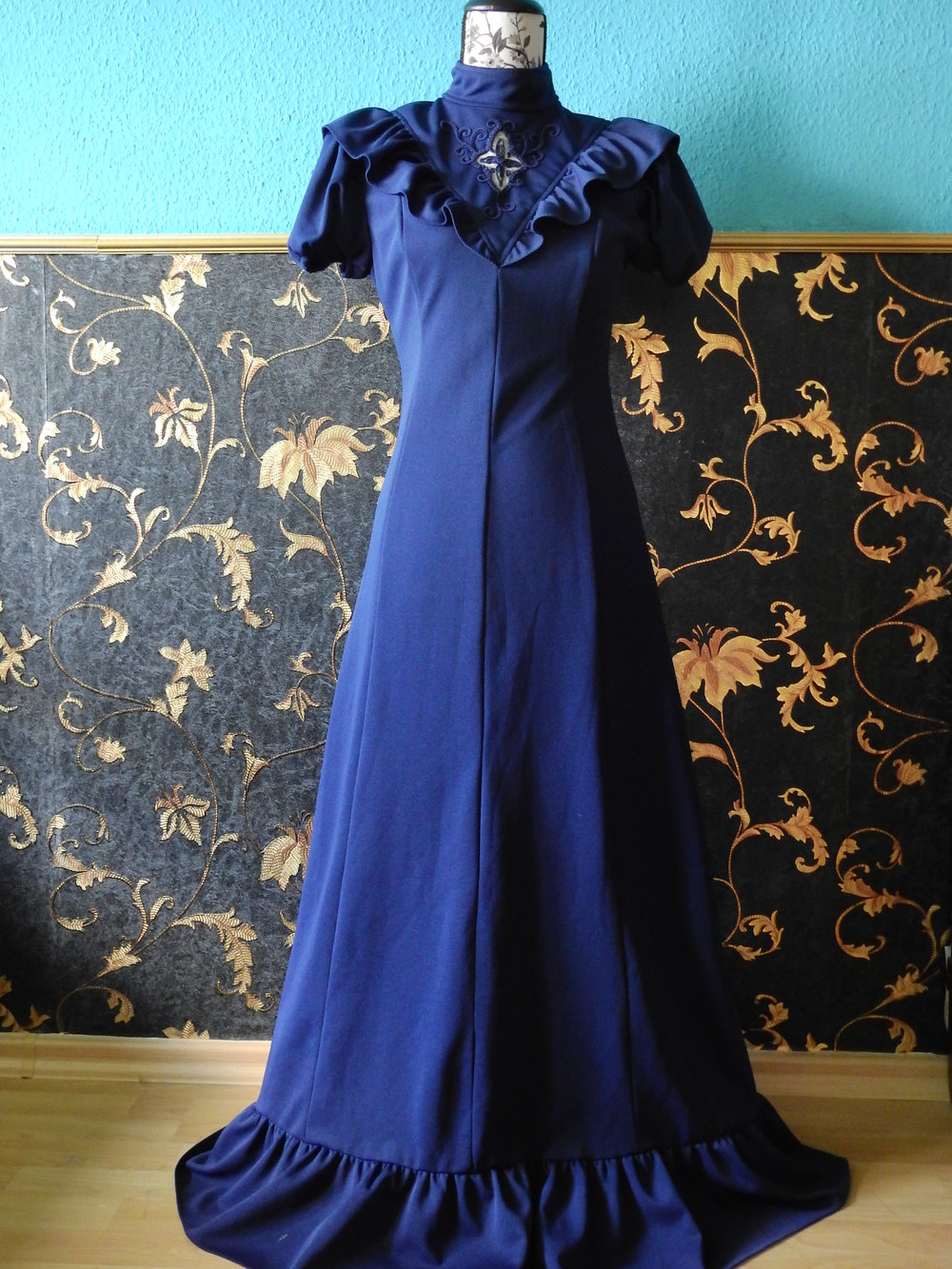 kleid true vintage maxikleid blau spitze ballkleid gothic. Black Bedroom Furniture Sets. Home Design Ideas