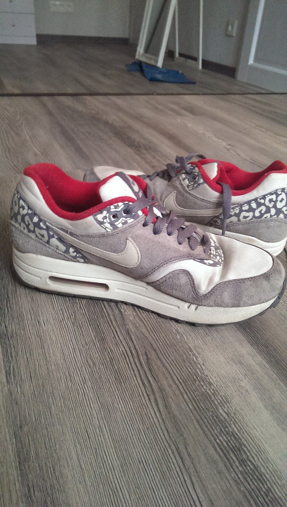nike air max leo limited edition. Black Bedroom Furniture Sets. Home Design Ideas