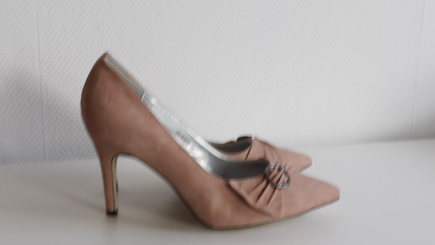 d1a16cc2bb289 Neue Nude- Rosa High Heels, Pumps