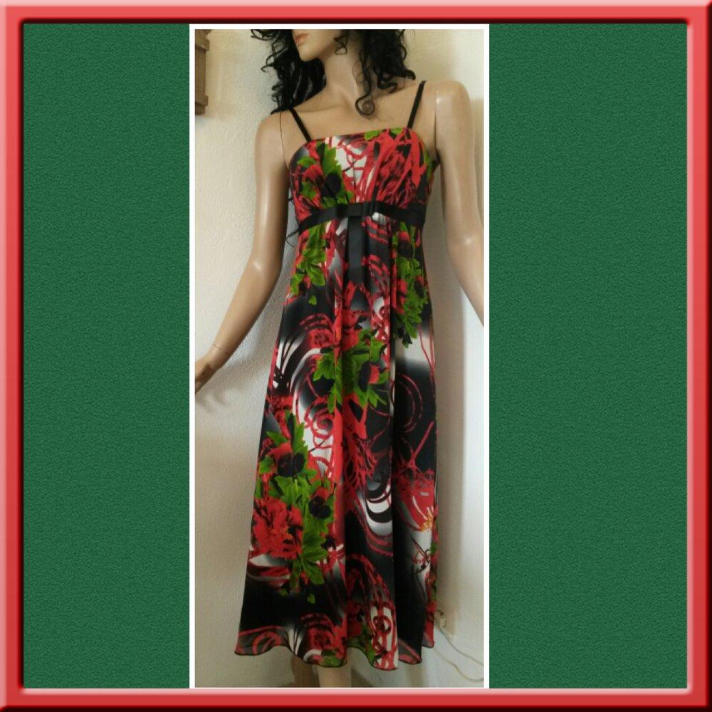 zauberhaftes Kleid im Empire-Stil