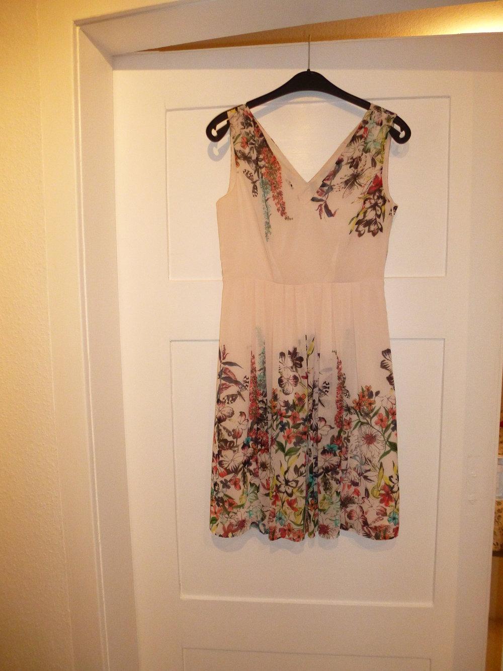 Esprit Kleid Sommer Cocktailkleid Mit Blumen Kleiderkorb De