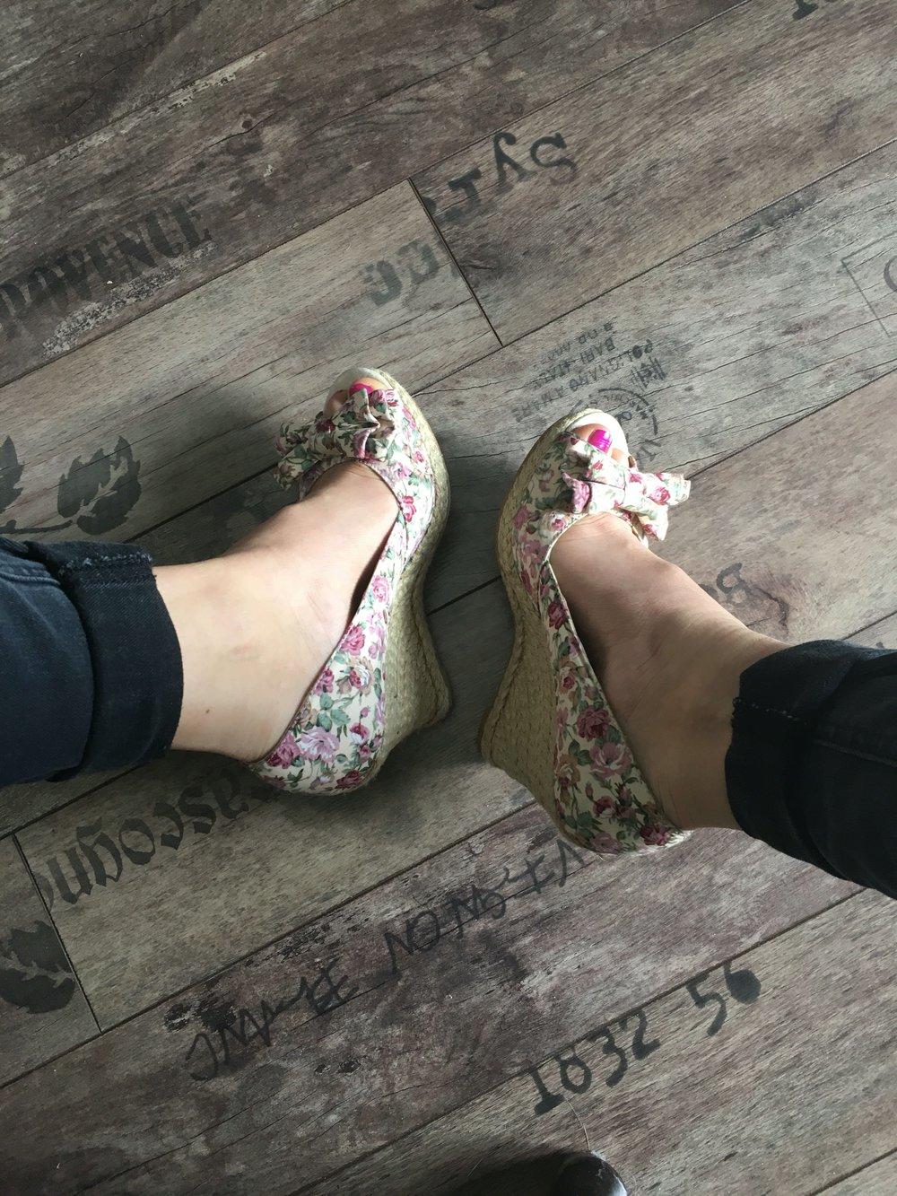 Schuhe 37 Buffalo Wie Blümchen Blumen Sandalen Neu Wedges Keilabsatz f67gyYbv