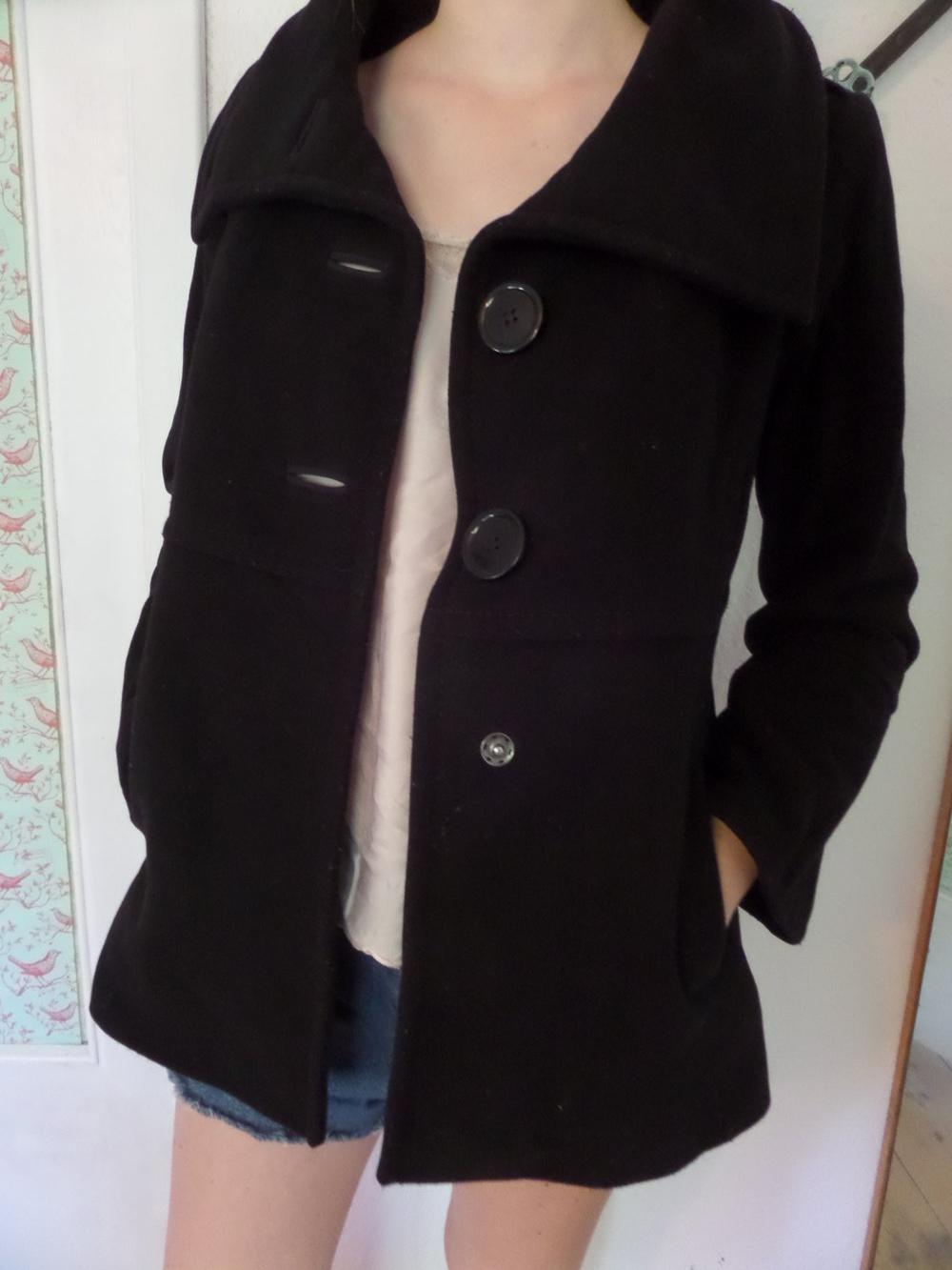 dünne schwarze jacke mit weiten ärmeln damen