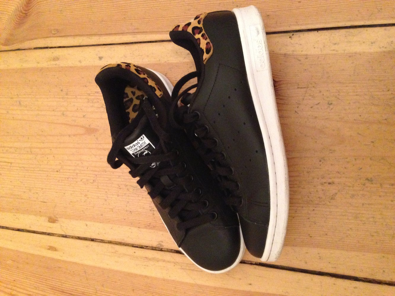 Adidas Stan Smith Schwarz Leo