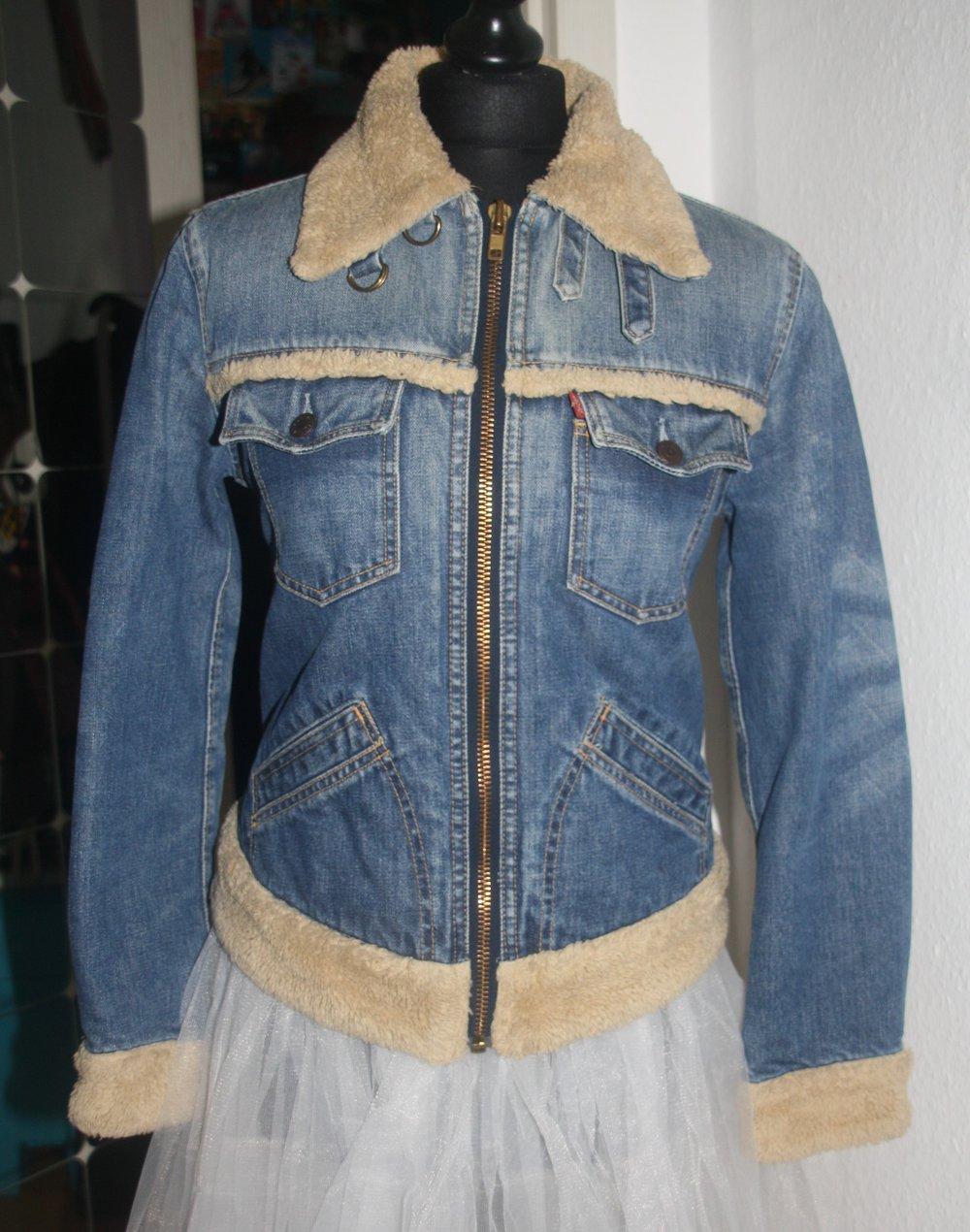 Jeansjacke mit fell gefuttert