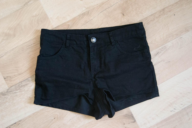 schwarze shorts von h m. Black Bedroom Furniture Sets. Home Design Ideas