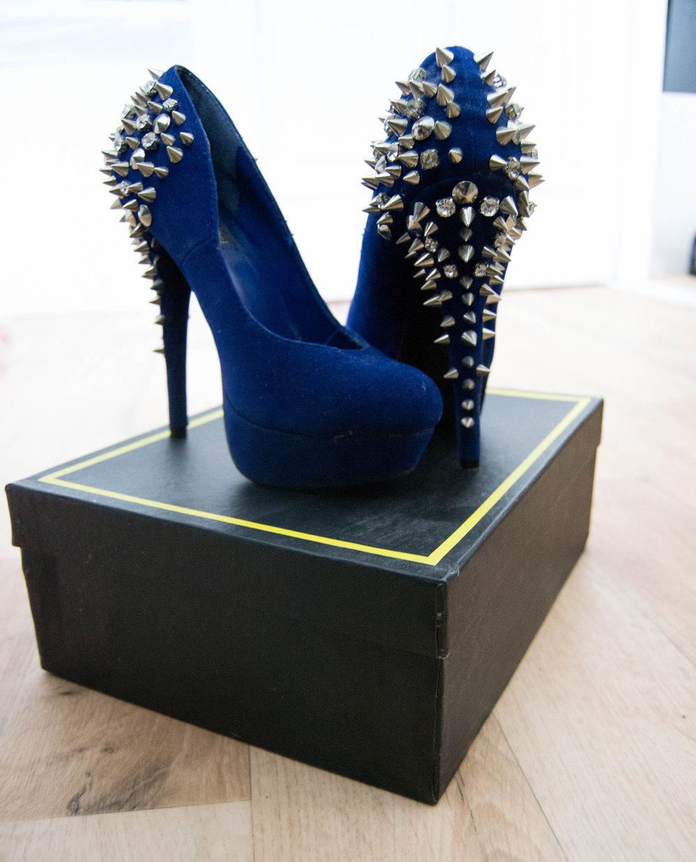 e160697b7dd080 Blaue High Heels mit Nieten von Nelly Trend    Kleiderkorb.de