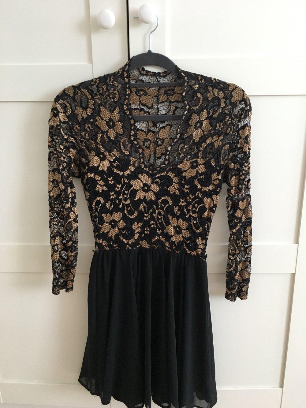 Kleid oben gold unten schwarz