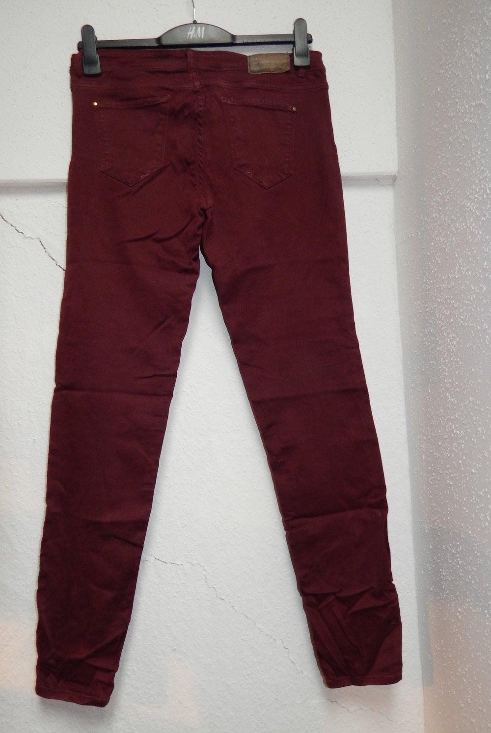 rote jeans bordeaux dunkelrot zara 40 slim. Black Bedroom Furniture Sets. Home Design Ideas