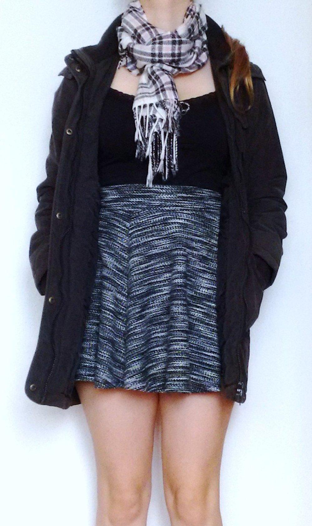 Mantel Kapuzenmantel anthrazit grau schwarz figurbetont, Parka, Übergangsjacke, Outdoorjacke, Daunenmantel, Daunenjacke, Gothic Emo Blogger