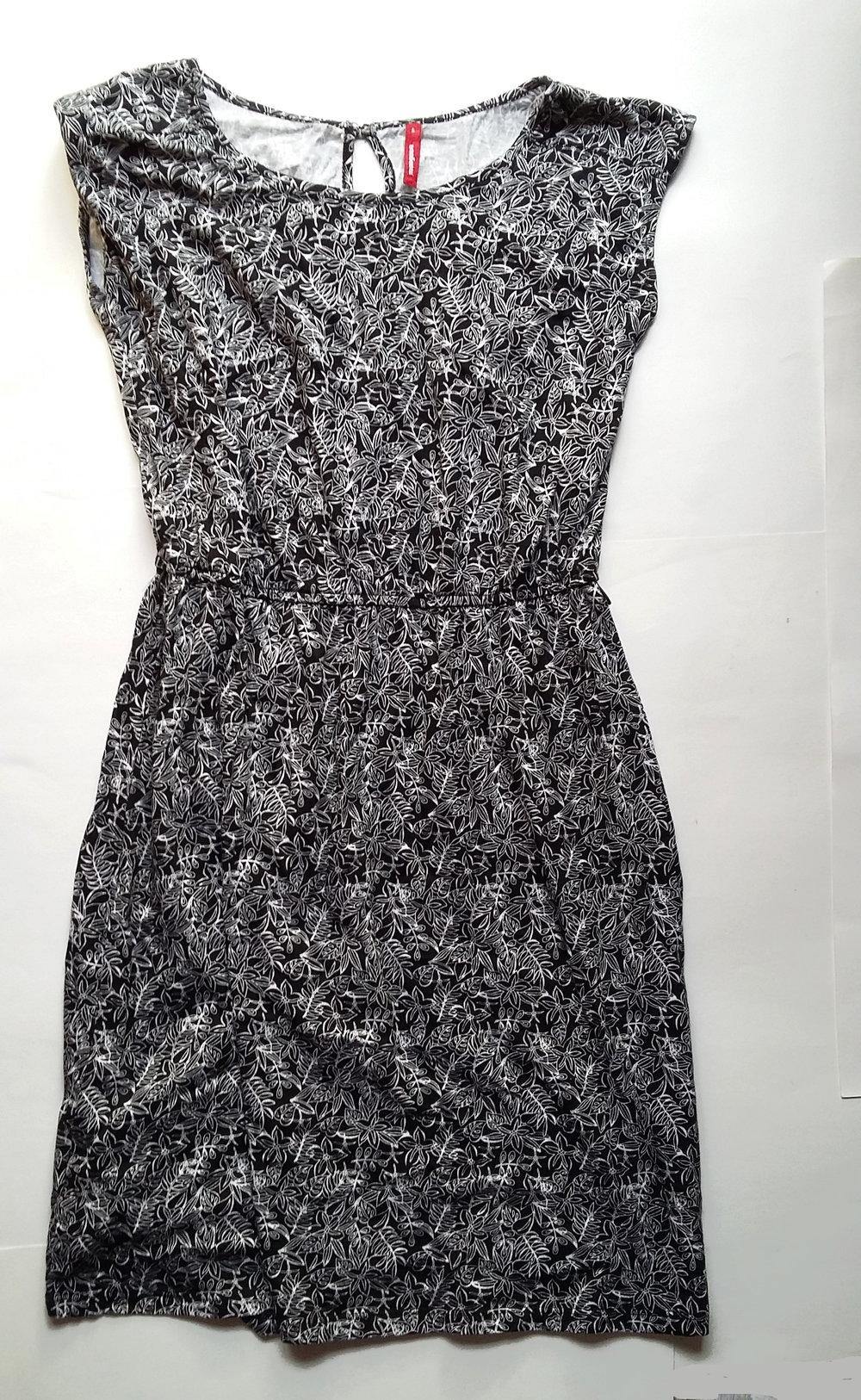 neu kleid s 36 38 sommerkleid manguun np 40€ blumen blumenmuster schwarz  weiß knielang