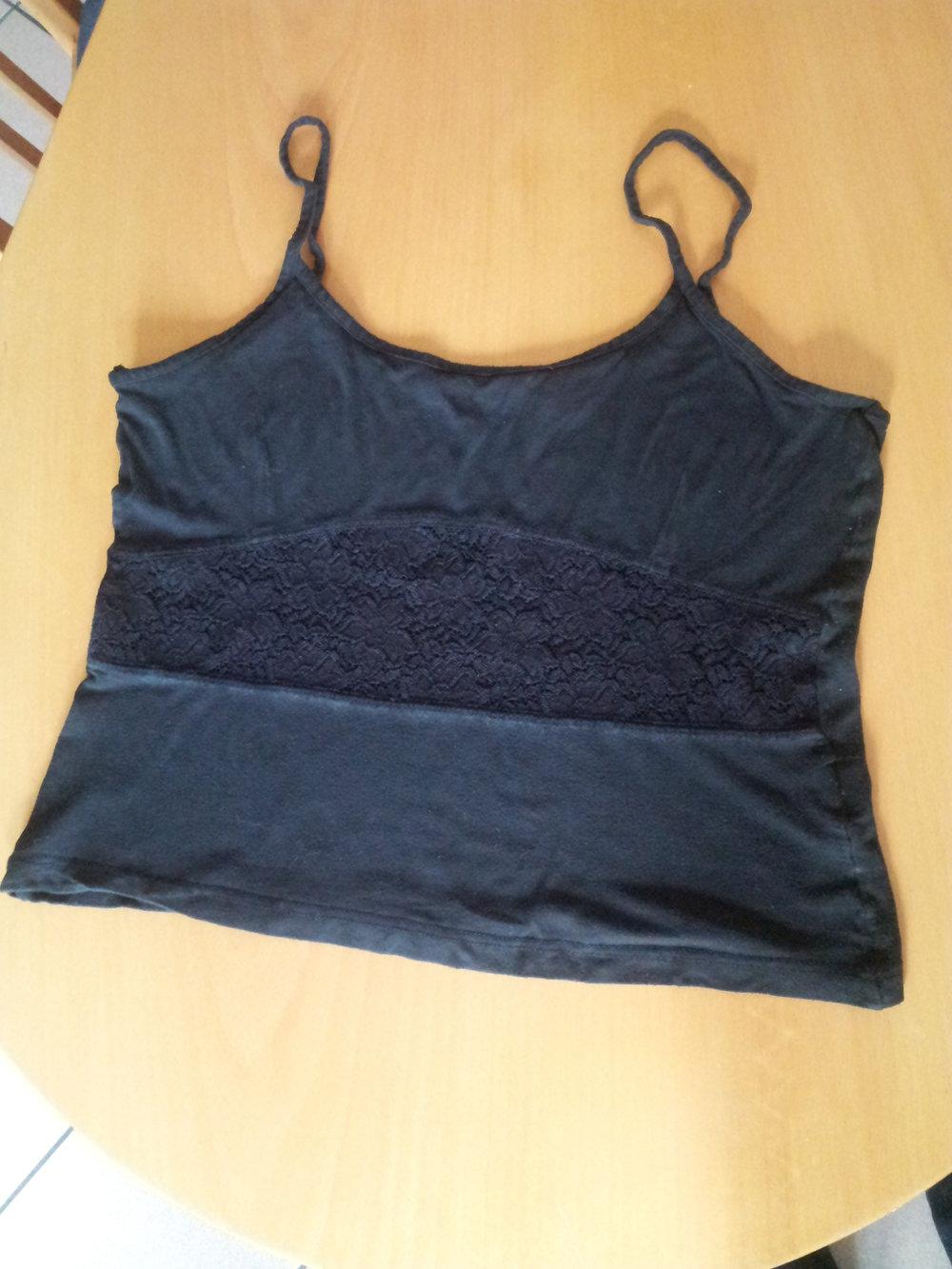 c07275341089 Moda - schwarzes cropped Shirt Gr M mit Spitze    Kleiderkorb.de